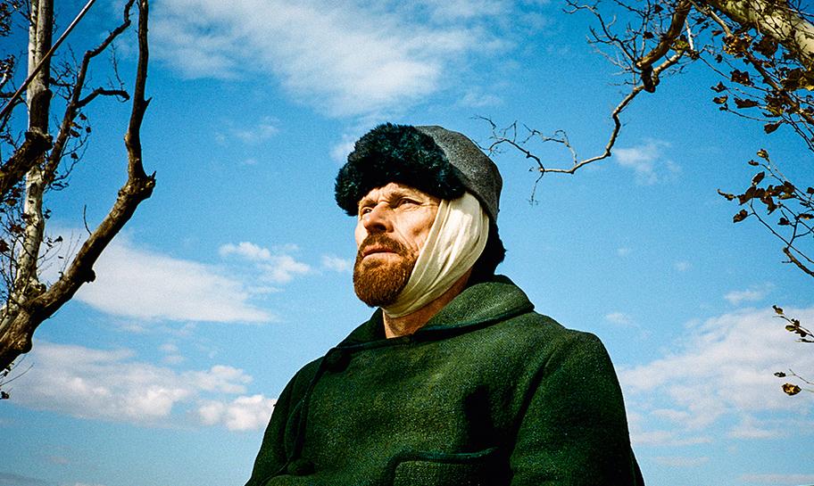 Ator Willem Dafoe na magistral interpretacao de Vincent van Gogh
