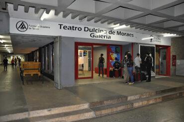 Galeria-da-Faculdade-e-do-Teatro-Dulcina-de-Moraes-no-Conic-em-Brasilia.
